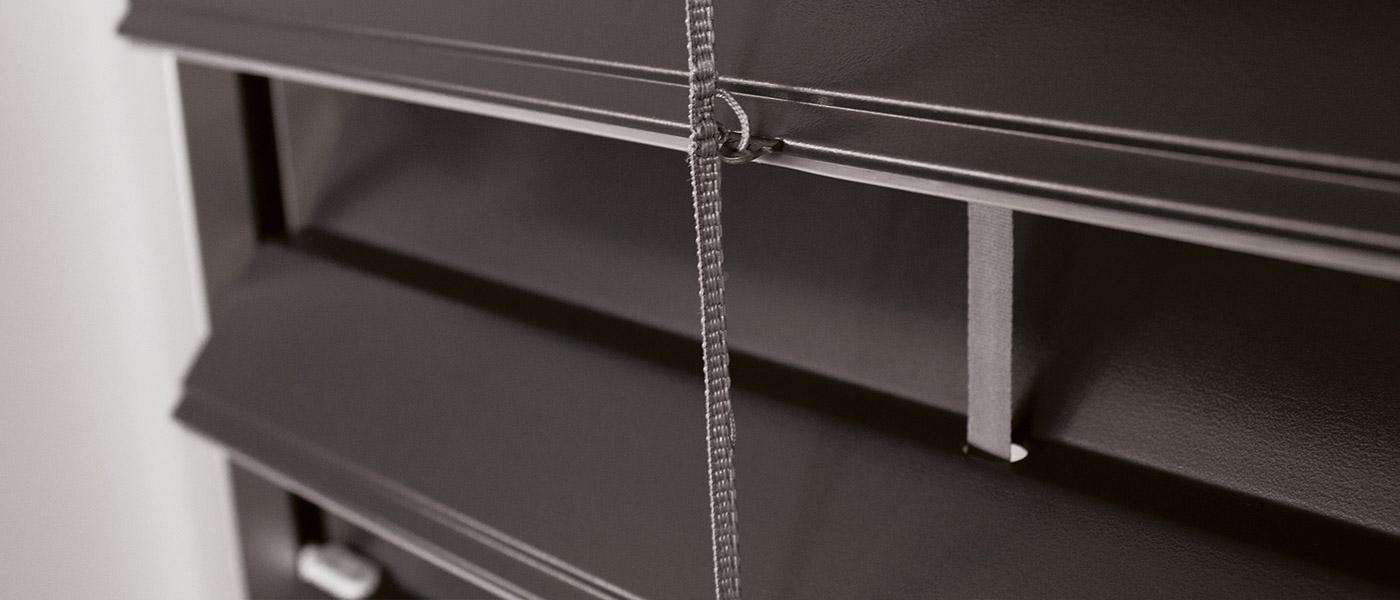stores a lamelles stores a lamelles with stores a. Black Bedroom Furniture Sets. Home Design Ideas